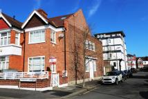 6 bedroom End of Terrace property in Crescent Gardens...