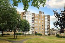 Chobham Gardens Apartment to rent