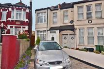 5 bed End of Terrace property in Durnsford Road...
