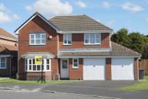 Detached home to rent in Kingston Close, Bury...