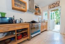 2 bed Terraced home for sale in Morley Avenue N22
