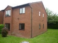 1 bedroom Flat in Mayfield Close, Catshill...