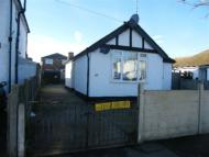Bungalow to rent in Central Avenue...