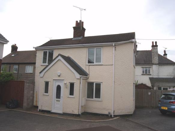 2 bedroom detached house to rent in bistre avenue buckley for The buckley house