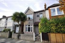 3 bed Flat in Courtney Road...