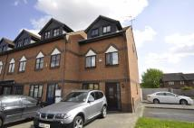 4 bed Town House to rent in Oakmead Place, Mitcham...