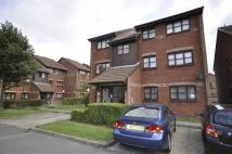1 bed Flat to rent in Lowry Crescent, Mitcham...