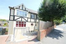 3 bed Flat in Mile Oak Road, Brighton