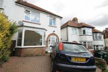 3 bedroom semi detached property to rent in Sharpthorne Crescent...