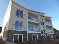 Flat to rent in 323 - 325 Mile Oak Road...