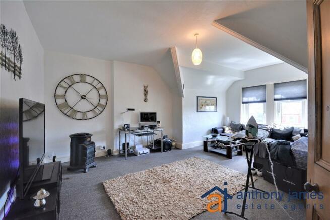Living Room/Diner/ Bedroom 6