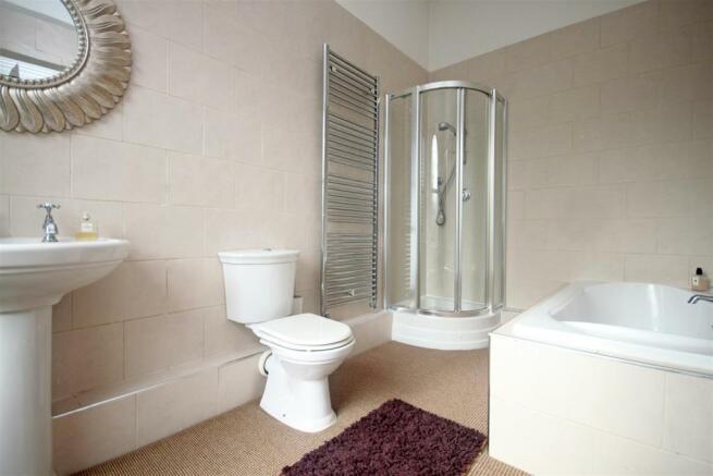 En Suite/Bathroom