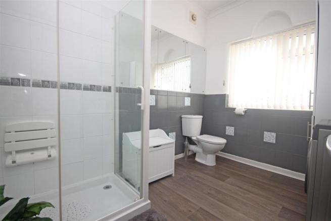 Shower Room/Wc & Utility