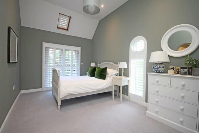 Bedroom 2/Guest Suite