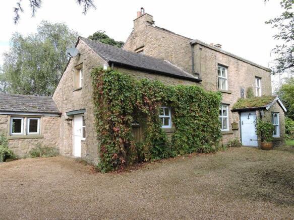 4 bedroom cottage for sale in preston road alston