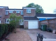 3 bed semi detached property in Roseberry Way, Tring