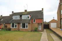 3 bed semi detached home in Fantail Lane, Tring
