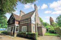 4 bed semi detached house in 25 Park Street...