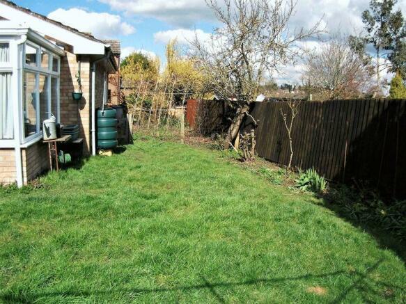 Side garden an...