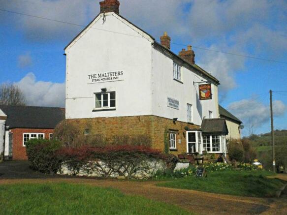 Village Pub / ...