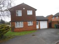 3 bed Detached property in Leamington Road, Luton...