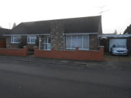 3 bed Detached Bungalow in Venetia Road, Luton, LU2