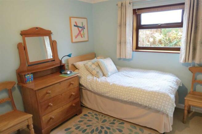 Bedroom: 3