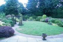 5 bed Detached property in Partridge Drive -...