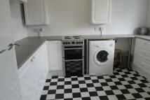 2 bedroom Flat to rent in Reddons Road, Beckenham...