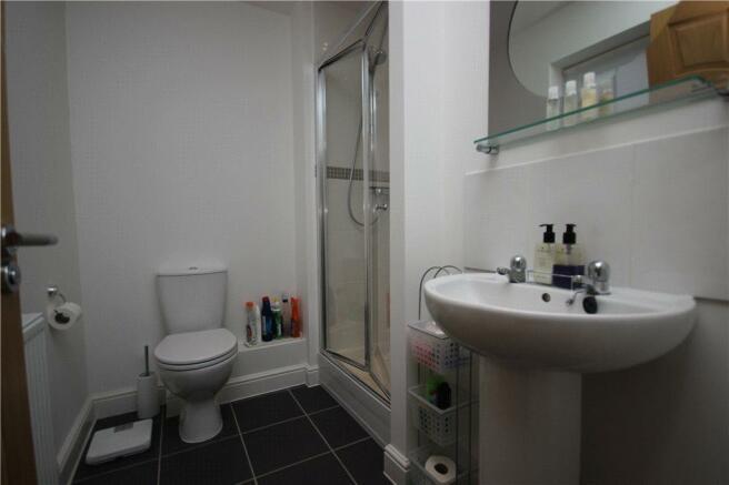 09 Main Bathroom