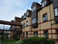 Flat to rent in 25 Elmore Road...