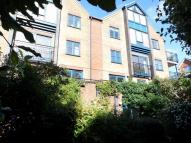 Maisonette in Riverdene Place...
