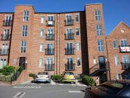 2 bedroom Flat to rent in Weavers Court