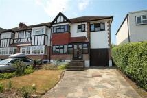 3 bedroom house in Rous Road, Buckhurst Hill