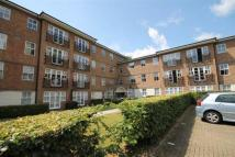 2 bed Flat to rent in High Road, South Woodford