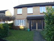 Flat to rent in Taylor Close, Orpington...