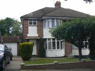 3 bed semi detached house to rent in Haywood Rise, Orpington...