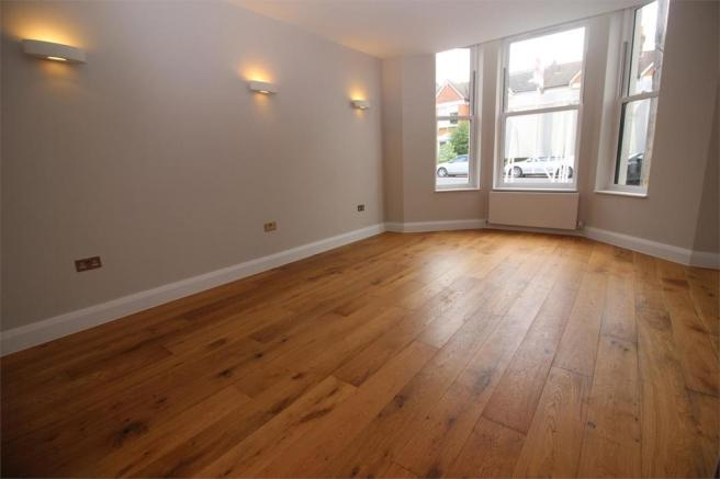 2 bedroom flat for sale in Samos Road Anerley London SE20