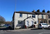 2 bed house in Bolton Road, Darwen...