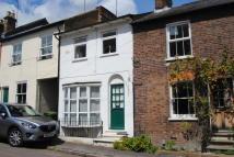 Ground Flat to rent in Albert Street, Tring...