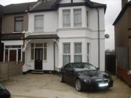 Flat to rent in Ashgrove Road, Goodmayes