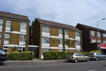 Studio flat to rent in Frank Slater, Goodmayes
