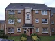 Flat to rent in Burns Avenue...