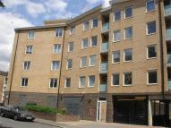 2 bedroom Apartment in Iceland Wharf...