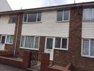 Town House to rent in Wesley Street, Wakefield...