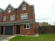 4 bedroom Town House in Moorcroft, Ossett...