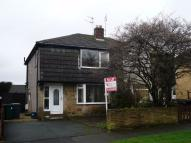 3 bed semi detached property to rent in Woodside View...