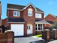 4 bed Detached house for sale in Shearburn Close, Ossett...
