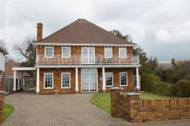 4 bed Detached property for sale in Thorpe Bay Gardens...