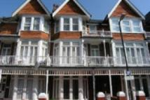 Flat to rent in Elms Avenue, Lower Meads...